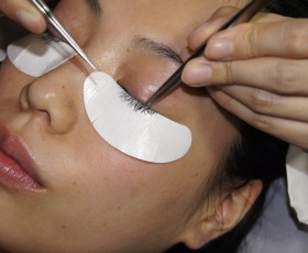 We train eyelash extension technician. We will teach you amazing new method !!
